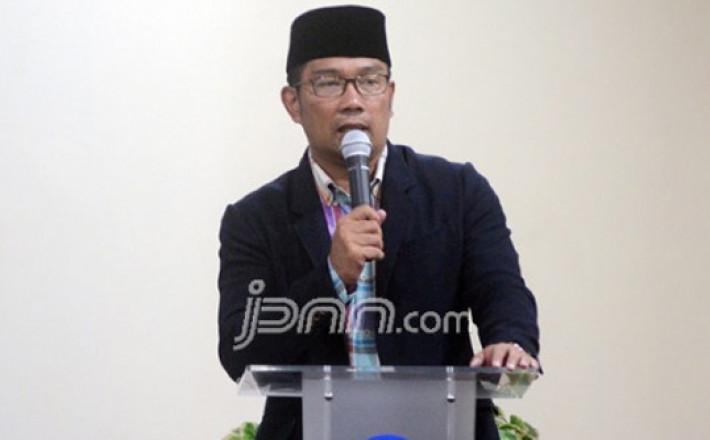 Pilih Kang Emil, Suara Golkar di Jabar Terancam Terbelah