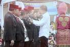 Bupati dan Petani Tabanan Terima Satya Lencana dari Jokowi - JPNN.COM