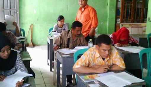 3,3 Juta Penduduk Indonesia Masih Buta Aksara - JPNN.COM