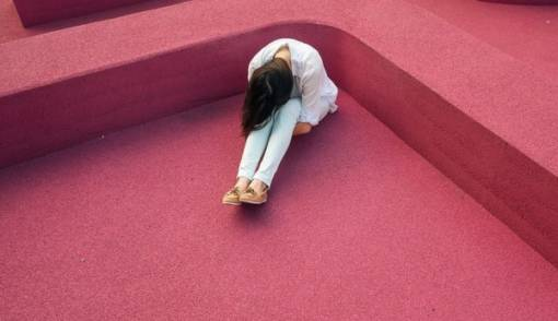 Kesepian Ditinggal Pasangan? Coba Atasi dengan Cara Ini - JPNN.COM