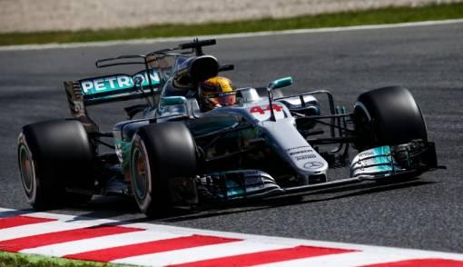 Mercedes Buka Peluang Duetkan Daniel Ricciardo dan Hamilton - JPNN.COM