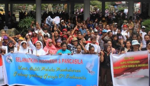 Massa Desak Ahok Dibebaskan, HTI dan FPI Dibubarkan - JPNN.COM