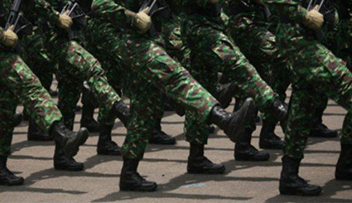 Tertibkan Perumahan di Kompleks KPAD, TNI Dilawan Warga - JPNN.COM