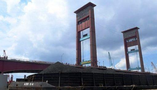 Jembatan Ampera Ditabrak Lagi, Walikota Segera Terbitkan Perwali - JPNN.COM