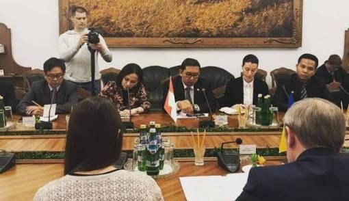 Fadli Zon: RI-Ukraina Sepakat Tingkatkan Kerja Sama Pertahanan - JPNN.COM