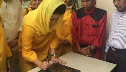 Alangkah Senangnya Deisti Novanto Bisa Baksos di Kampung Leluhur - JPNN.COM