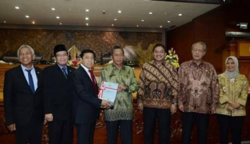 Ketua DPR Apresiasi Temuan BPK Terkait Laporan Keuangan Pemerintah - JPNN.COM