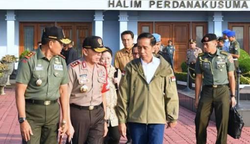 Presiden Jokowi Bertolak ke Natuna Saksikan Latihan Perang PPRC TNI - JPNN.COM