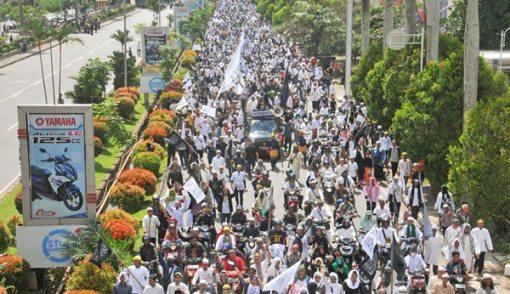 Aksi Bela Ulama Bareng Pawai Gawai Dayak, Alhamdulillah... - JPNN.COM