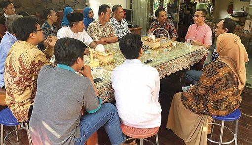 Pengurus Muhammadiyah Kunjungi Dahlan Iskan, Bahas Banyak Hal - JPNN.COM
