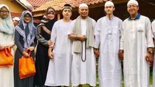 Anak Ungkap Penyebab Penyakit Ustaz Arifin Ilham - JPNN.COM
