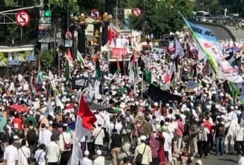 Massa Aksi 67 Sempat Pertanyakan e-KTP Djarot di Sumut