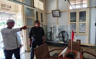 Hasto Teguk Air Sumur di Rumah Pengasingan Bung Karno, Begini Kesannya - JPNN.com