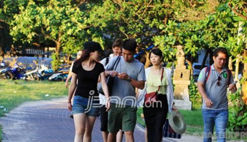 Turis Tiongkok Sudah Diperbolehkan ke Bali - JPNN.COM