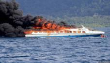 3 Kapal Patroli Dikerahkan untuk Padamkan Api di Muara Baru - JPNN.COM