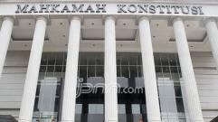 Tolak Perluas Pasal Perzinaan, MK Dituding Sekuler - JPNN.COM