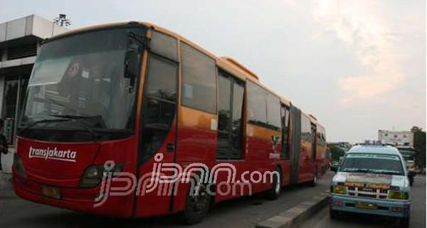 Warga Jakarta Sudah Bisa Manfaatkan Transjakarta dan Amari - JPNN.com