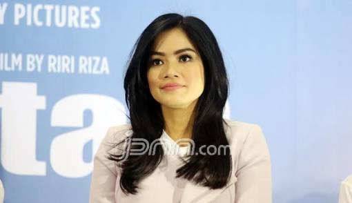 Sibuk Kerja, Titi Kamal Bikin Suami Khawatir - JPNN.COM