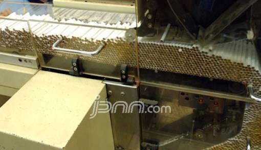 Produksi Rokok Menurun, Pemerintah Sulit Kejar Target Cukai - JPNN.COM