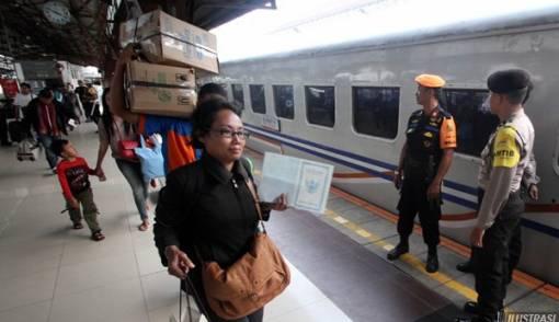 KAI Angkut 6,2 juta Penumpang Selama Masa Angkutan Lebaran - JPNN.COM
