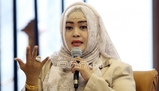 Uni Fahira Belum Yakin Asma Dewi Pelanggan Saracen - JPNN.COM