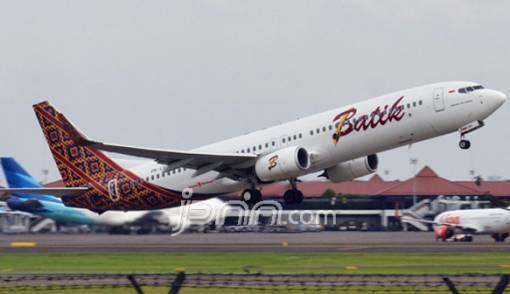 Pesawat Batik Air Rute Manokwari-Sorong Keluar dari Landasan - JPNN.COM