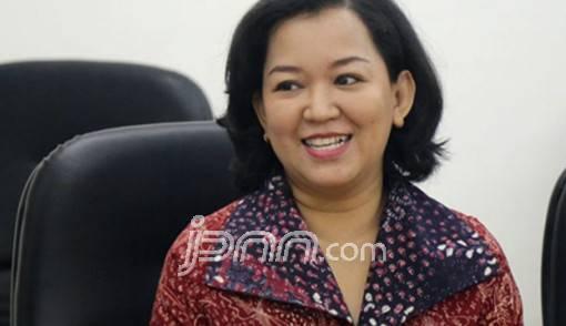 PDIP Minta Sandi Tak Seenaknya Melarang Sepeda Motor - JPNN.COM