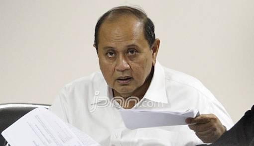 Merasa Terjerat Surat Palsu, Emir Moeis Cari Kebenaran di MK - JPNN.COM