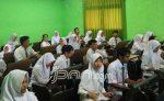 Siswa Ibu Kota Bakal Diwajibkan Pakai Batik Betawi - JPNN.COM