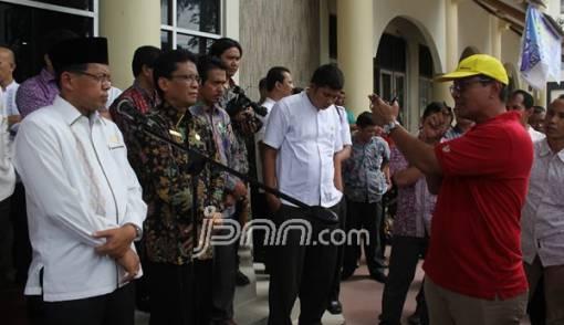 Tunjangan Ngadat, Tenaga Kependidikan UNP Ancam Mogok - JPNN.COM