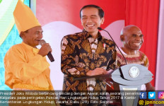Jokowi Kaget dengan Jawaban dari Penerima Kalpataru Ini - JPNN.com