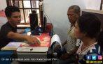 Di Hadapan Polisi, Kakek 4 Cucu Mengaku Menyesal - JPNN.COM
