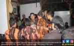 Tegang! Pemuda Pancasila Geruduk Diskusi Wiji Thukul, Diwarnai Bentrokan - JPNN.COM