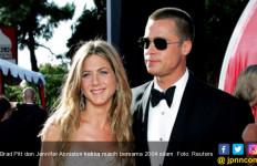 Ternyata! Ada Brad Pitt di Balik Perceraian Jennifer Aniston - JPNN.com
