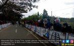 Masyarakat Bula Antusias Melihat Pelepasan Balap Sepeda TdM - JPNN.COM