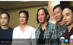 Foto Ungu Full Team Ini Sukses Bikin Fans Terharu - JPNN.COM