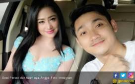 Dewi Perssik Nikmati Bulan Madu Sambil Kerja - JPNN.COM