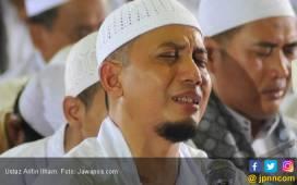 Ustaz Arifin Ilham Derita Kanker Getah Bening Stadium 4A - JPNN.COM