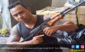 Ketut Diciduk Lantaran Berpose dengan AK-47 di Facebook - JPNN.COM