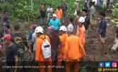 Tiga Warga Hilang Saat Longsor di Lereng Gunung - JPNN.COM