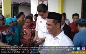 Mentan Launching Ekspor Perdana Beras Sanggau ke Malaysia - JPNN.COM