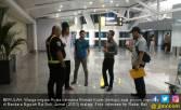 Dideportasi dari Bali, Bule Rusia Sayat Lengan Sendiri - JPNN.COM