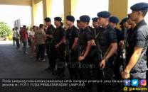 Kapolda Turunkan Pasukan, Perintahkan Tembak di Tempat - JPNN.COM