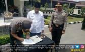 Polres Solok Teken MoU Pengawasan Dana Desa - JPNN.COM
