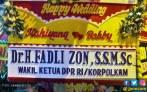Tuh, Karangan Bunga dari Fadli Zon untuk Kahiyang-Bobby - JPNN.COM