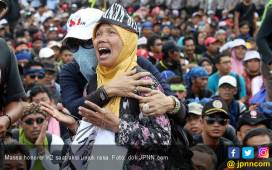 Ratusan Honorer K2 Kepung Baleg - JPNN.COM