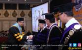 Pimpinan MPR Mahyudin Terima Gelar Doktor Ilmu Pemerintah - JPNN.COM