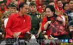 Ada Isyarat dari Kemeja Merah Jokowi di Rakor 3 Pilar PDIP - JPNN.COM