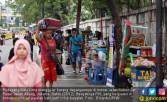Jalan Inspeksi Kanal Banjir Barat Kembali Dikuasai PKL - JPNN.COM