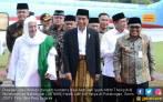 Presiden Jokowi Merasa Happy Bisa Bertemu Pewaris Nabi - JPNN.COM